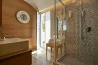 Nuovo bagno Junior Suite