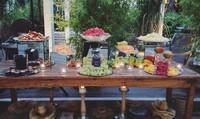 Buffet frutta in giardino