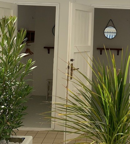 cabine bagno giuliano 247 sul lungomare di milan marittima hotel saraceno milano marittima