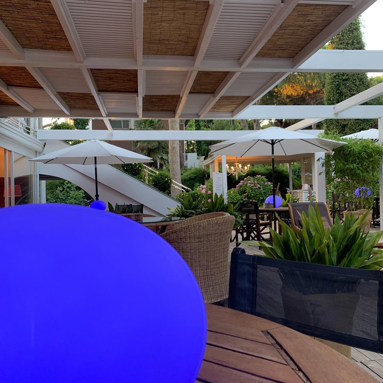 Palla azzurra giardino hotel saraceno Milano marittima 4 stelle