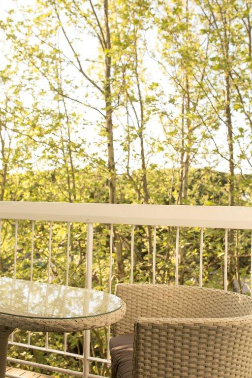 Vista camera con balcone hotel milano marittima 4 stelle