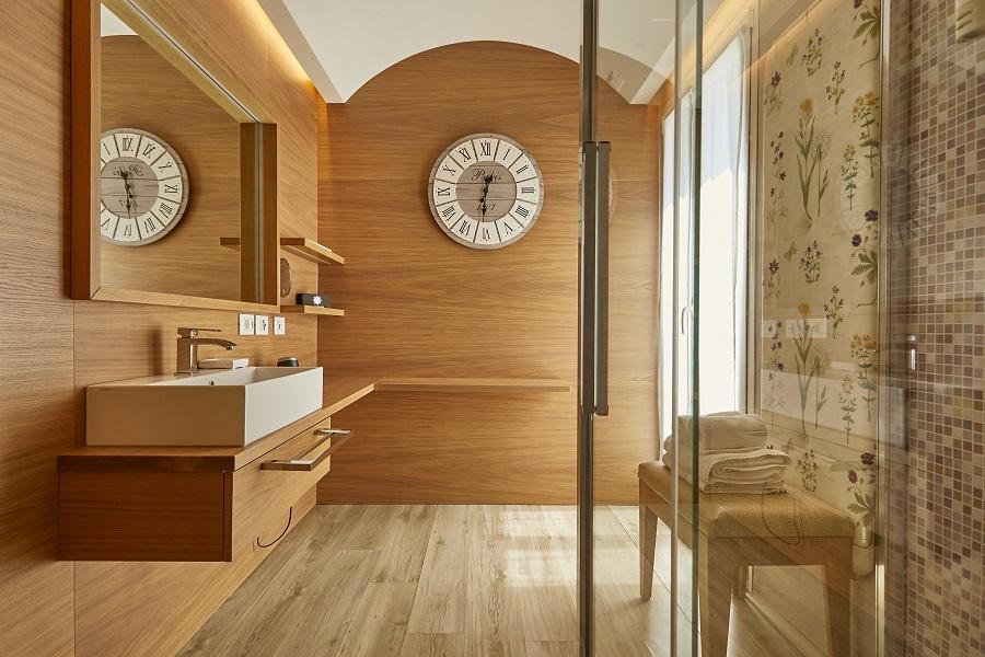 bagno junior suite type b hotel saraceno milano marittima
