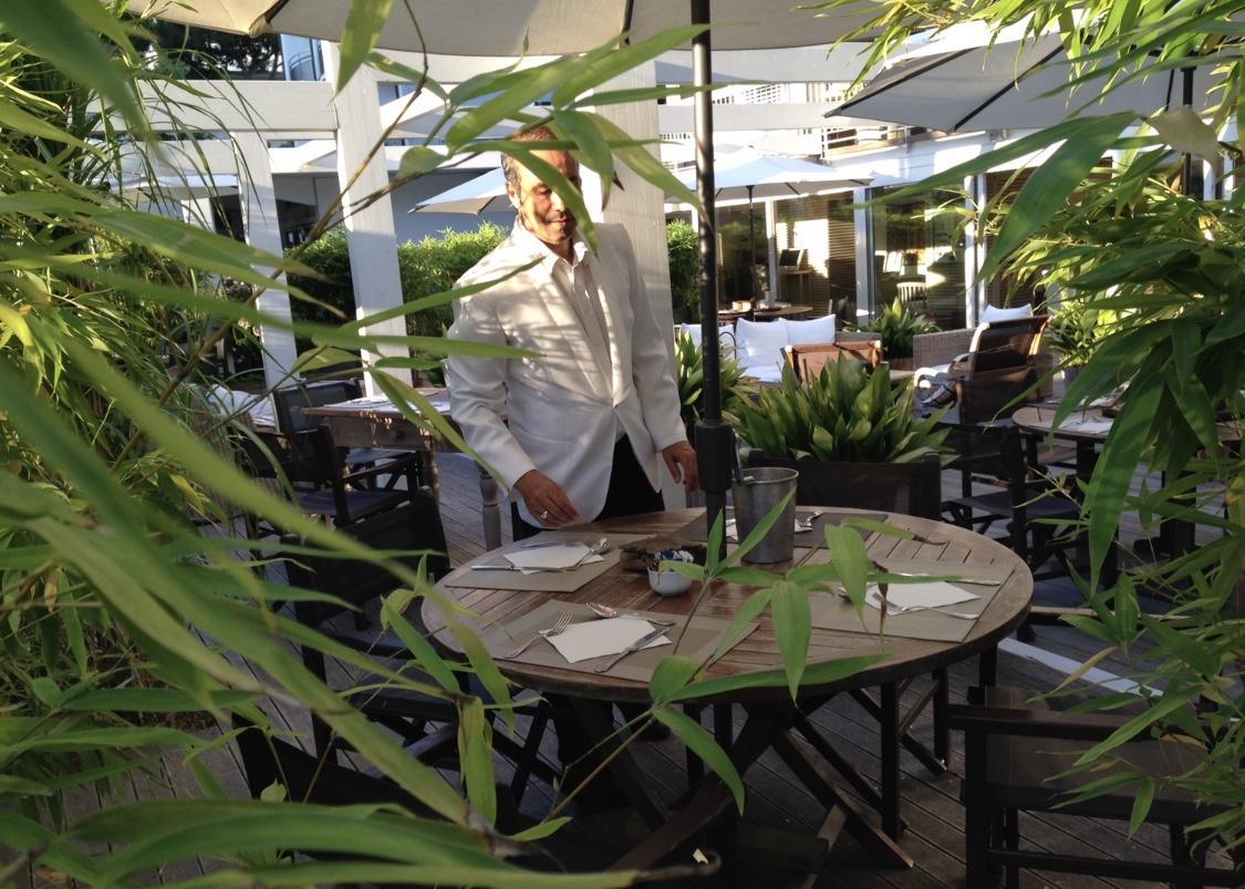 Colazione buffet in giardino hotel saraceno 4 stelle milano marittima